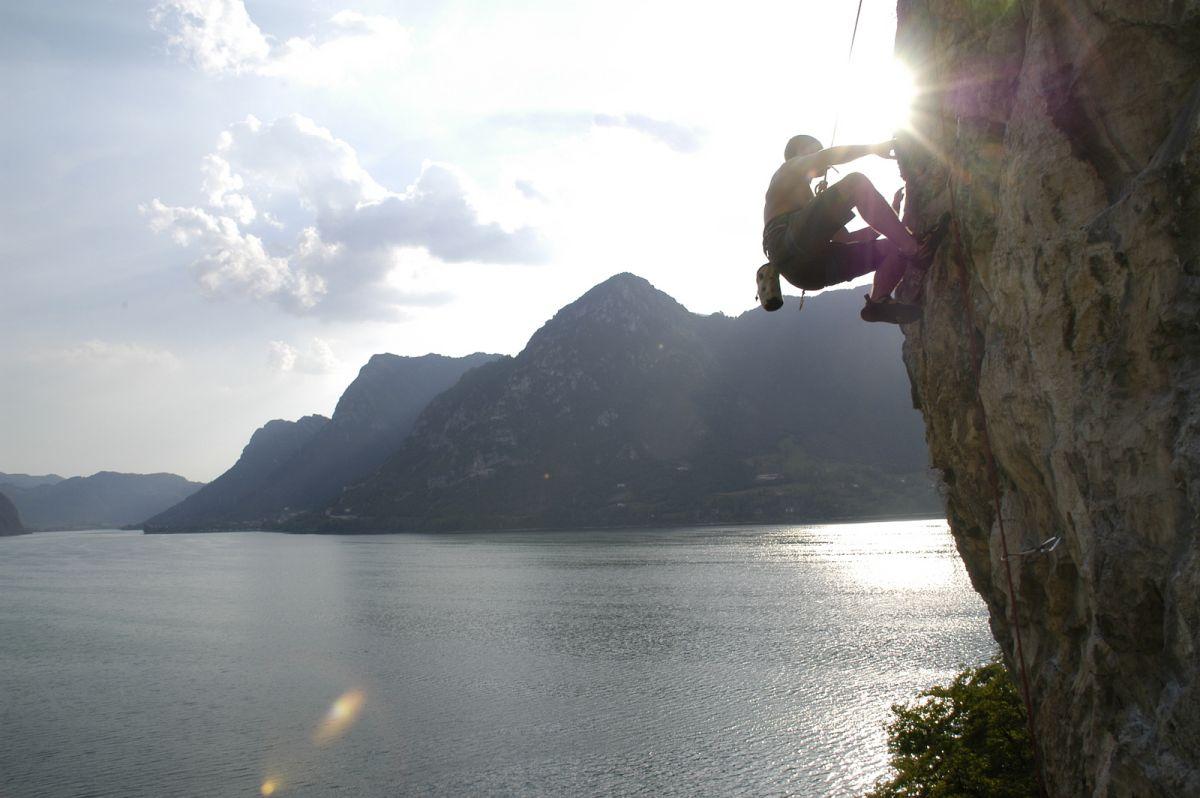 Kletterausrüstung In Der Nähe : Klettersteige und freeclimbing